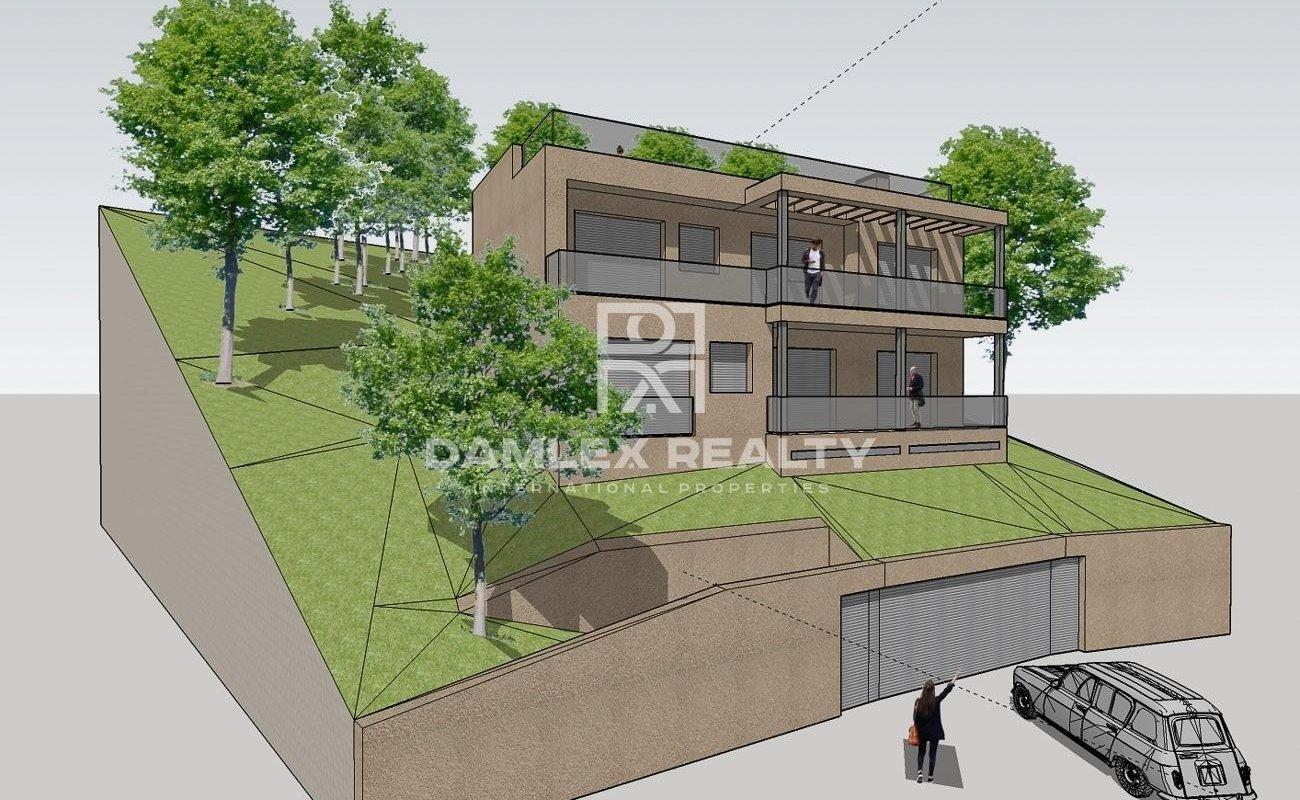 Casa de obra nueva con piscina en Lloret de Mar, en la urbanización Los Pinares