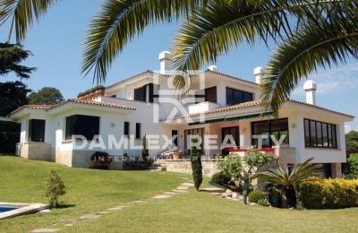 """Costa Brava. Villa cerca de la playa en S""""Agaró"""