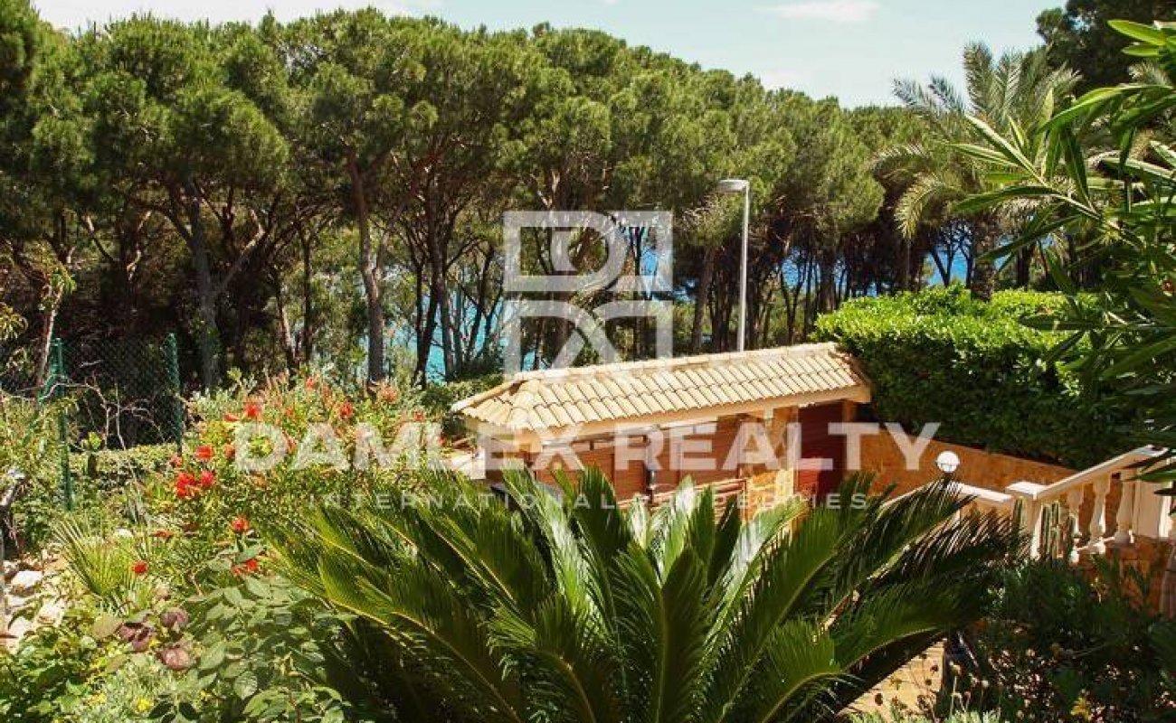 Villa de lujo frente al mar en la Costa Brava